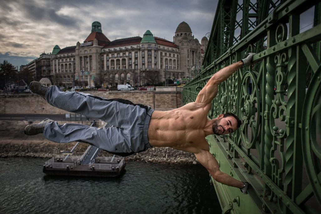 Street Workout and Bodybuilding: Which is Better?